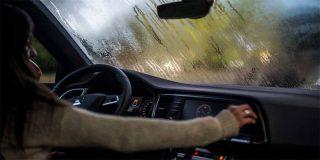 Los 5 consejos útiles para que el frío no te empañe el parabrisas del coche
