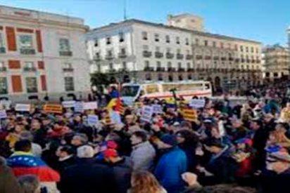 """""""Maduro Usurpador"""": El grito de los venezolanos desde la Puerta del Sol en Madrid"""