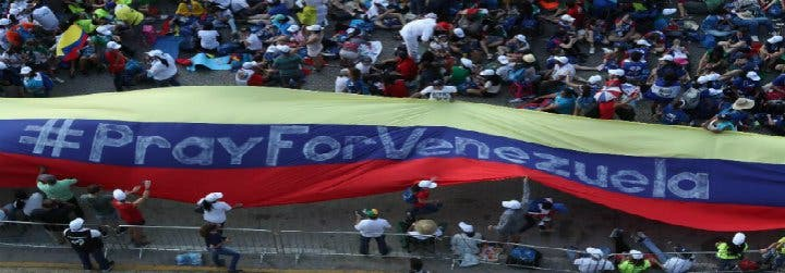 El Papa pide reunirse con los obispos venezolanos para abordar la crisis