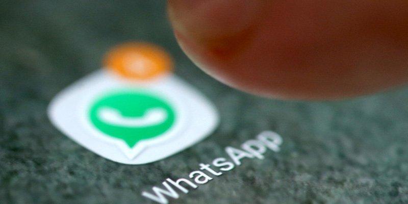 Para combatir noticias falsas, WhatsApp limita el reenvío de mensajes