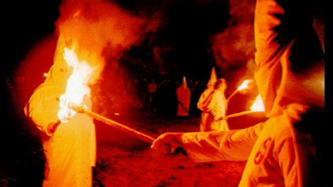 """Un periódico de Alabama: """"Es hora de que Ku Klux Klan vuelva a viajar de noche"""""""