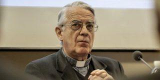 """Federico Lombardi: """"La Iglesia está herida en su credibilidad"""""""