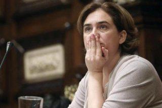 Sopapo real a Ada Colau: el Supremo le obliga a poner la foto de Felipe VI en el salón de plenos
