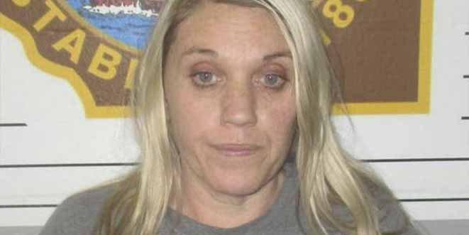 Envenenó a su esposo y quemó su casa para casarse con un recluso de la prisión donde trabajaba