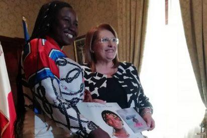 La presidenta de Malta recibe a los protagonistas del documental 'Love'