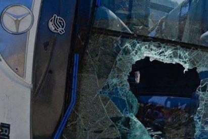 EE.UU.: 14 heridos de un equipo de baloncesto al volcarse su autobús