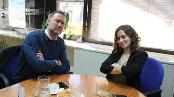 Isabel Díaz Ayuso ficha al 'Hermano Mayor' García Aguado para colaborar en su programa de juventud