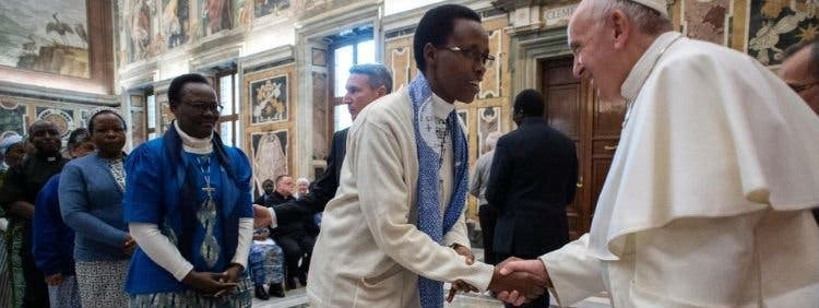 """Francisco a los Misioneros del África: """"El anuncio del Evangelio no es sinónimo de proselitismo"""""""