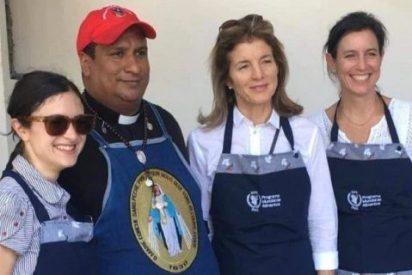Fotos: La hija de expresidente JF Kennedy sirve almuerzos a refugiados venezolanos en Cúcuta