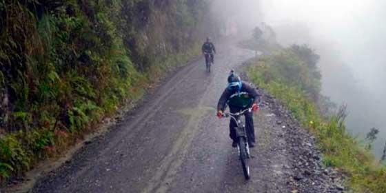 Destino Bolivia: Coroico y la Ruta de la Muerte