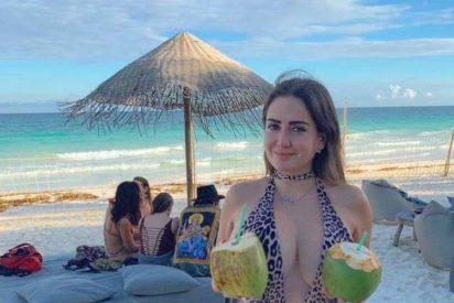 Celia Lora deja sus exuberantes senos al aire y sin tapar