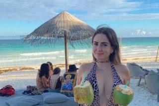 ¡Deténgame!: Celia Lora se 'disfraza' de policía, pero queda semidesnuda y provocativa