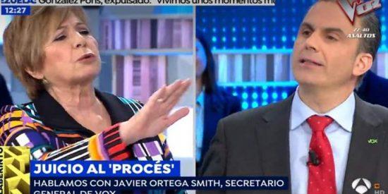 """Agarrada entre Celia Villalobos y Ortega Smith: """"Usted a mí no me llama cobarde"""""""