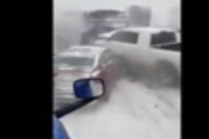 Impactante vídeo de un accidente múltiple por la nieve en EEUU