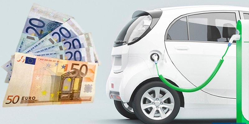 Las aplicaciones que debes instalar en tu móvil si no quieres que el coche eléctrico te deje 'tirado'