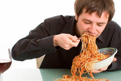 ¡Qué indisgestión! Vean el sablazo que le pegaron a dos turistas japonesas en un restaurante de Roma por dos platos de pasta