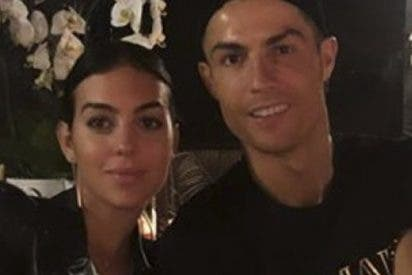 Esta foto de Cristiano Ronaldo y Georgina provoca cachondeo por este detalle