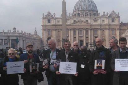 Las víctimas exigen a la Iglesia la inmediata expulsión de abusadores y encubridores