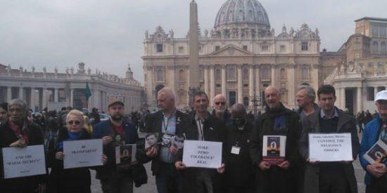 ¿Qué exigen las víctimas de abusos a la Iglesia?