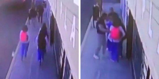 VIDEO: Una estudiante ahuyenta a dos ladrones con una pistola eléctrica