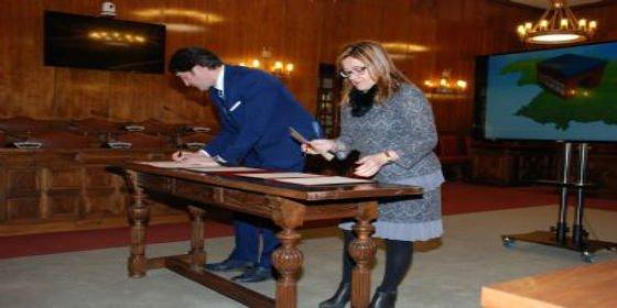 Diputación y Junta actualizarán el planeamiento urbanístico de 160 pequeños municipios de la provincia