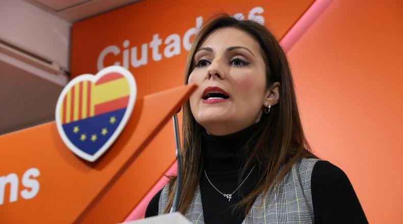 Las razones de la nueva líder de C's en Cataluña tras ser 'cazada' en una manifestación independentista