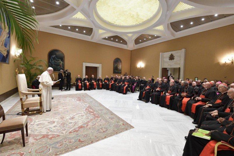 """El Papa insta a la """"comunión"""", donde """"unidad y variedad encuentran armonía"""""""