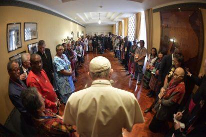 "El Papa aboga por un ""mestizaje cultural"" que sepa ""tocar la tierra"""
