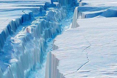 Los lagos de agua de deshielo doblan la capa de hielo en la Antártida