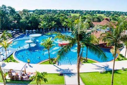 """Correlatos de un periodista de turismo: """"La piscina del hotelazo"""""""