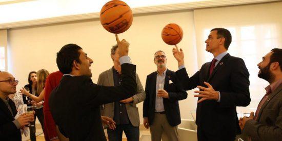 Los juegos malabares de Sánchez con las pelotas para no reconocer que ha perdido el partido