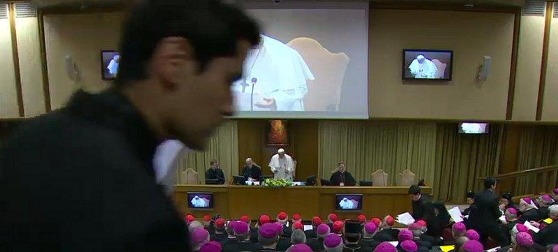 """El Papa, en la apertura de la cumbre antipederastia: """"Escuchemos el grito de los pequeños que piden Justicia"""""""