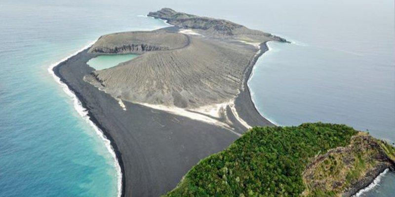 Así es el misterioso lodo en una isla nueva del Pacífico que desconcierta a científicos de la NASA