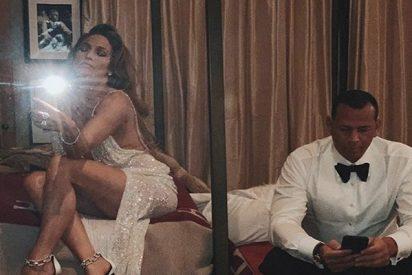 Jennifer López hace arder Instagram con esta foto en la cama con Alex Rodríguez