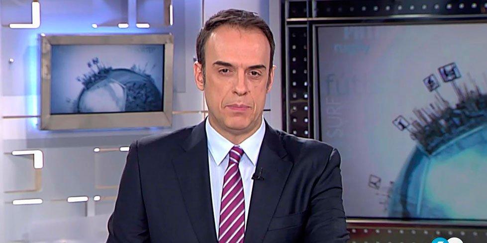 Vasile despide por sorpresa a Jesus Mª Pascual, editor y presentador de deportes en T5