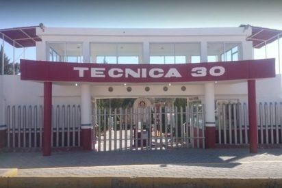 México: Le expulsan por llevar cuchillos a clase y regresa para apuñalar a su maestra