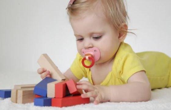 Los bebés con fiebre no necesitan someterse a pruebas dolorosas ni recibir antibióticos