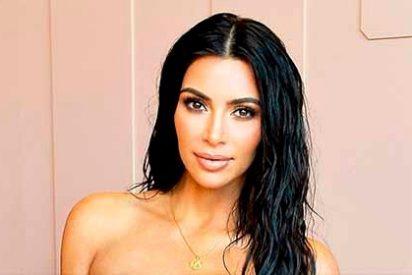 Kim Kardashian con un diminuto bañador, al mejor estilo de Jennifer López
