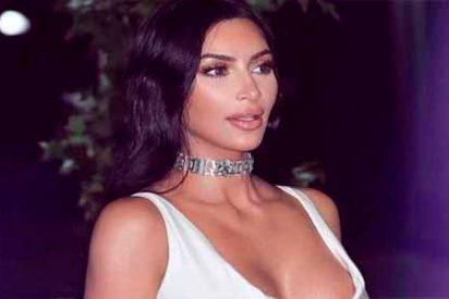 El cachondo vestido de los 'senos al aire' que luce Kim Kardashian
