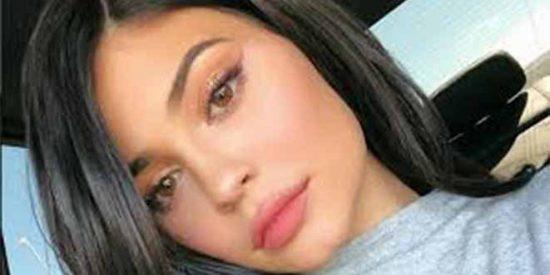 El vestidito de Kylie Jenner a lo Kim Kardashian y 8 millones en Instagram