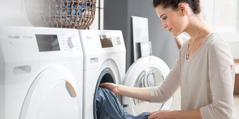 Todo lo malo que te puede pasar si no lavas la ropa nueva antes de usarla