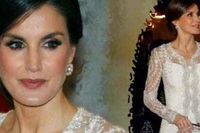 Letizia brilla en Marruecos con su vestido joya de Felipe Varela