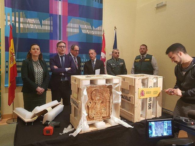 El Museo de Burgos recibe los relieves de Nuestra Señora de las Viñas recuperados en Londres