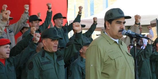 """EEUU ahoga a la cúpula chavista: Sanciona a cinco funcionarios """"cercanos al expresidente Maduro"""""""