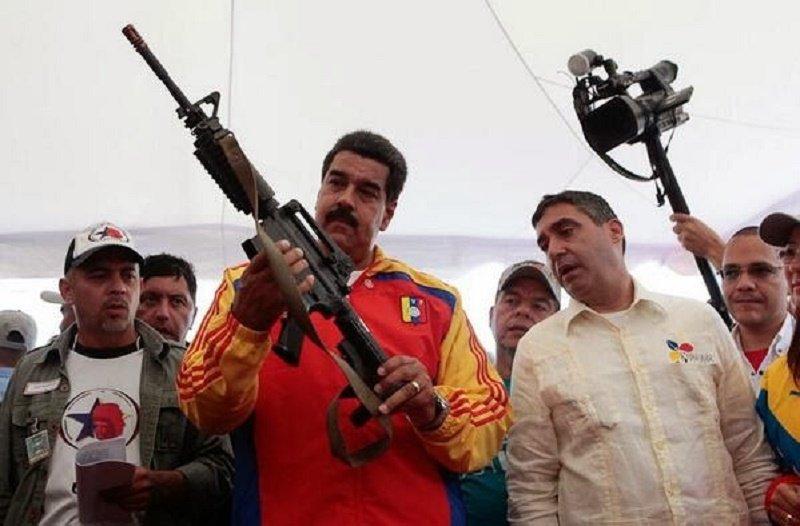 Nicolás Maduro recurre a la unidad de élite de la policía ante un futuro incierto