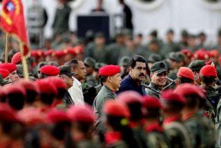 """Un Maduro aterrado por los avances de una posible intervención militar activa el """"Consejo de Defensa de la Nación"""""""