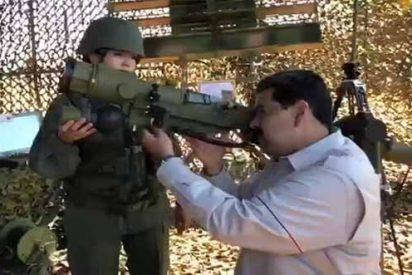 """""""Plan navidades felices"""": Maduro reparte 320 mil fusiles a milicianos dos días antes de la protesta opositora del 16N"""