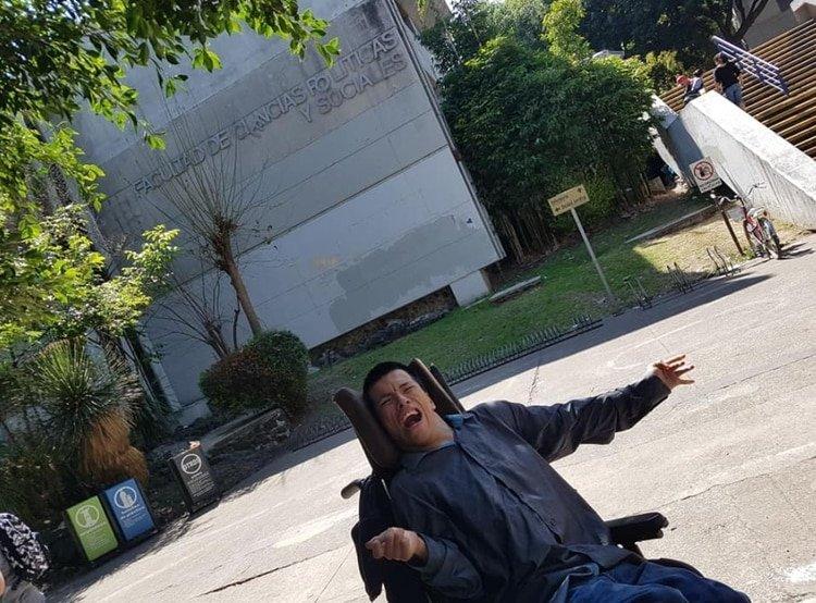 México: La historia del joven con parálisis cerebral será profesor en la UNAM