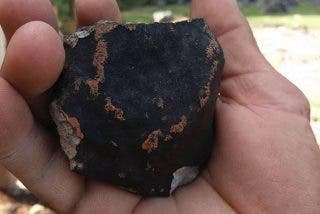 Encuentran un mineral que solo existe en meteoritos en las rocas del Mar Muerto