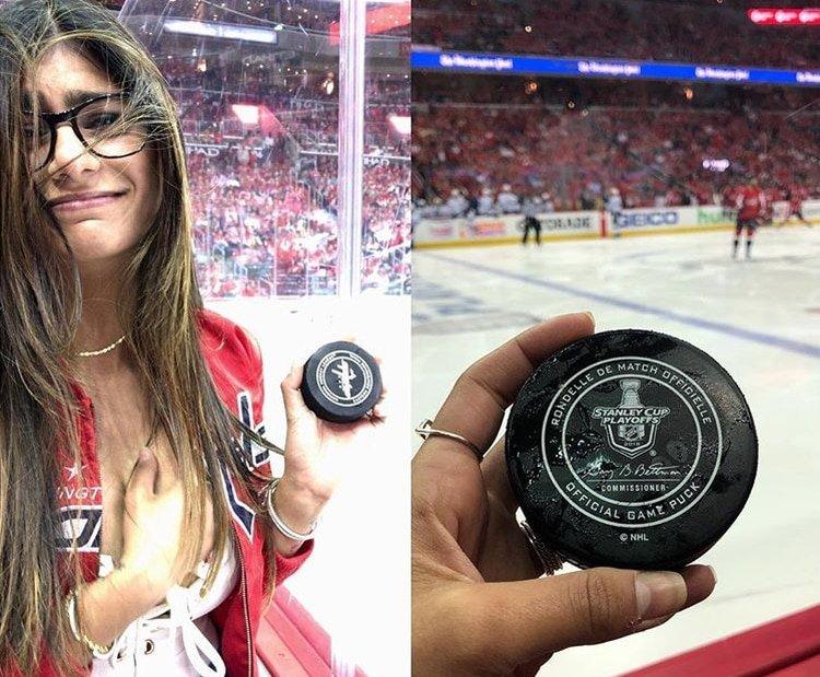 'Explota' un seno de Mia Khalifa por culpa de un disco de hockey